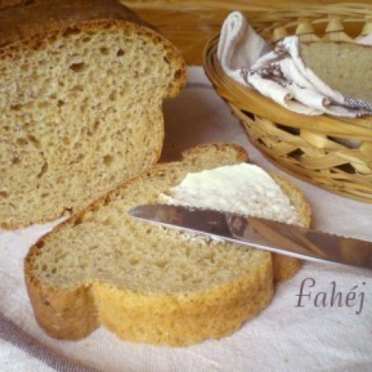 Ezen a képen: Amerikai sajtos kenyér