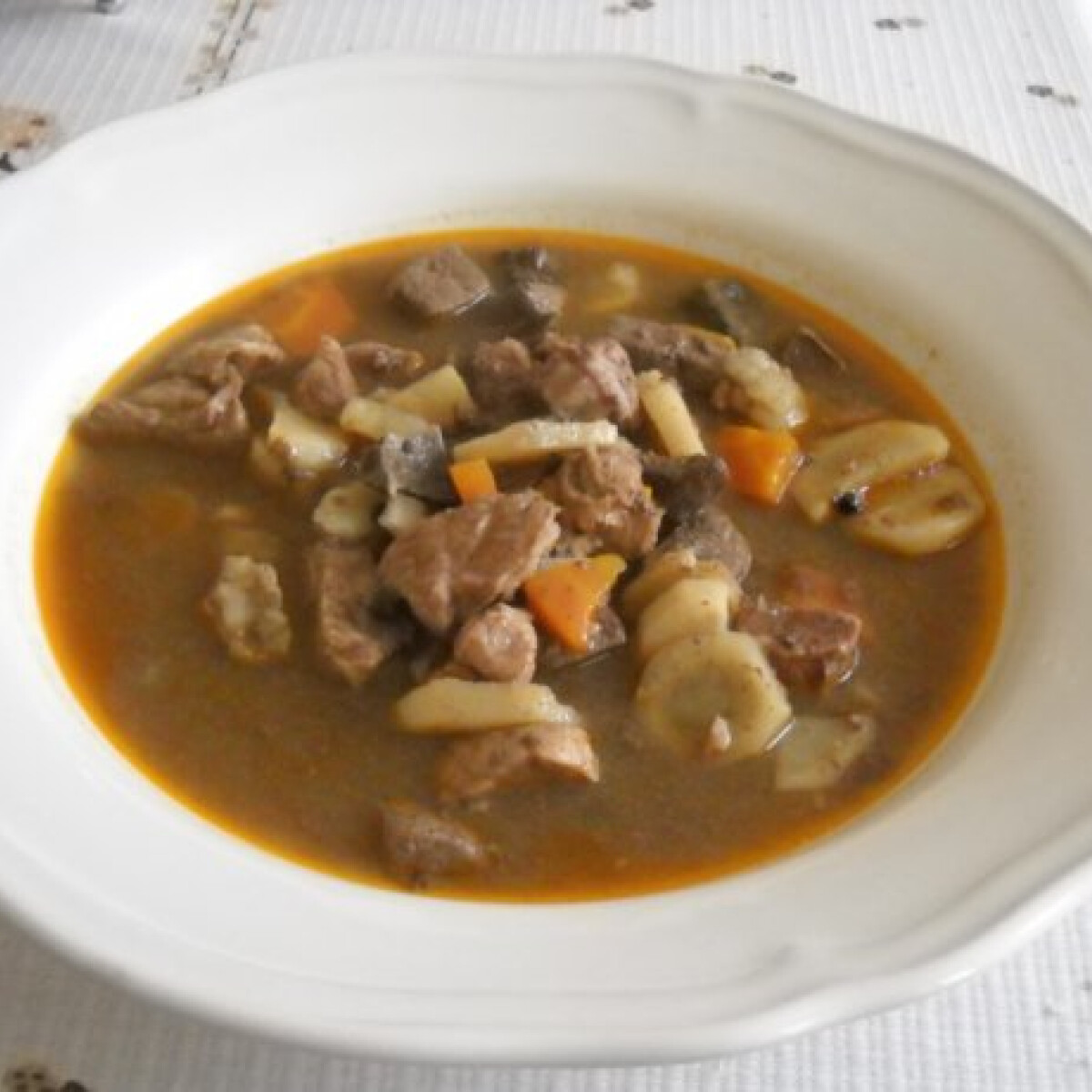 Ezen a képen: Savanyú májas leves
