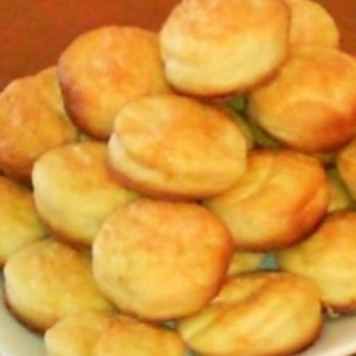 Ezen a képen: Sajtos-tejfölös-krumplis pogi