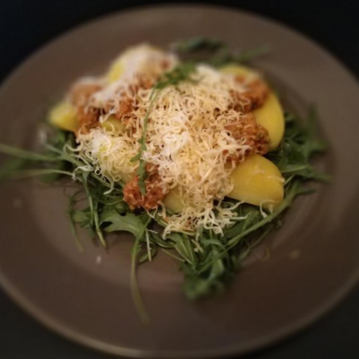 Ezen a képen: Rukkolás tonhalas krumpli