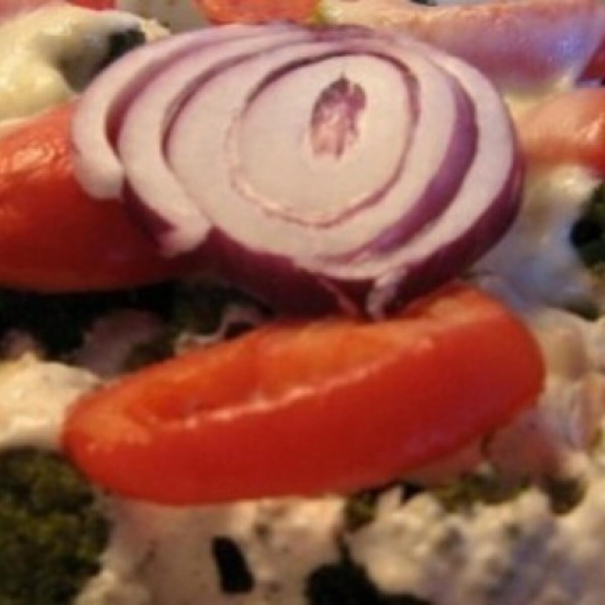 Ezen a képen: Rakott tofu zöldségekkel és kölessel