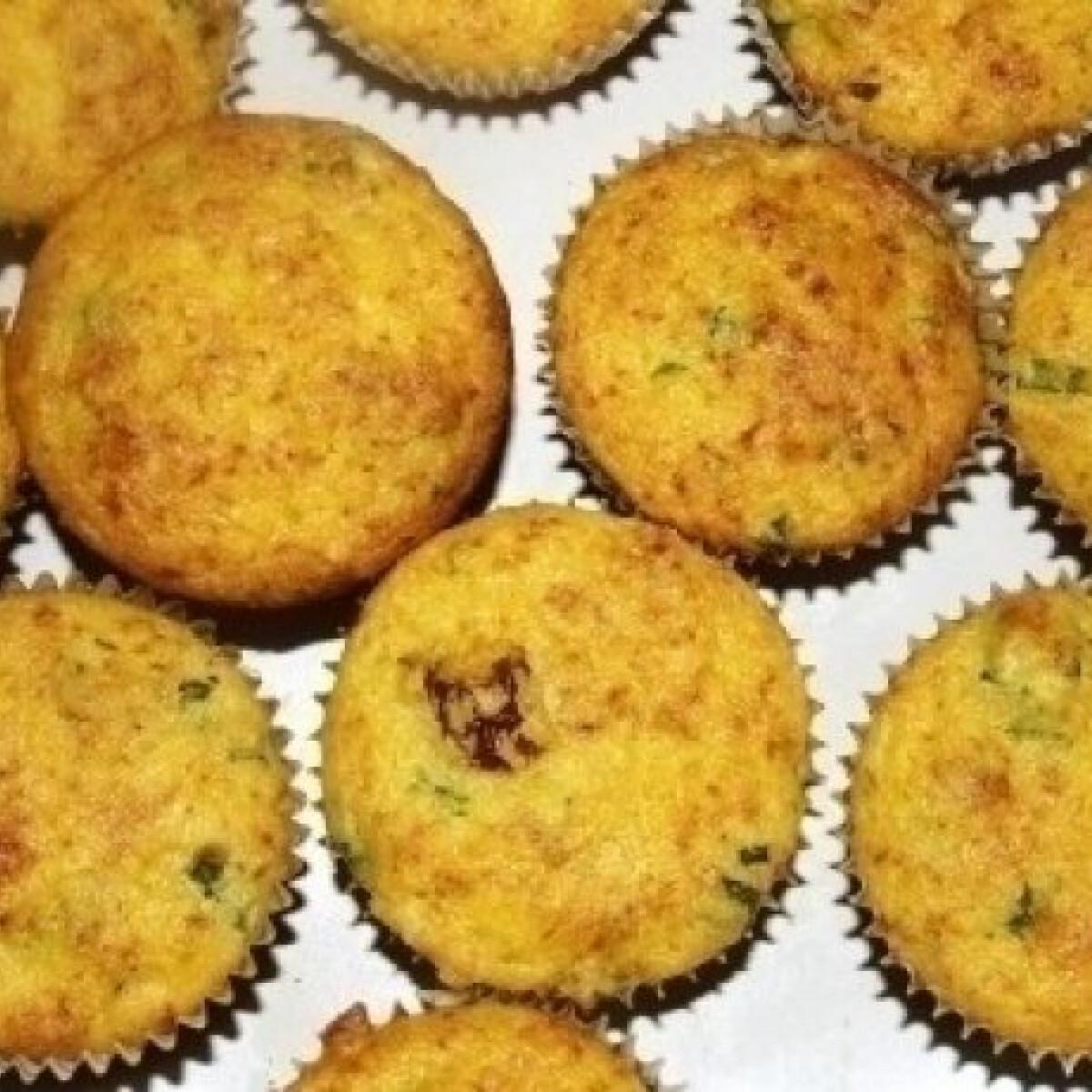 Hagymás-paradicsomos kukorica-muffin