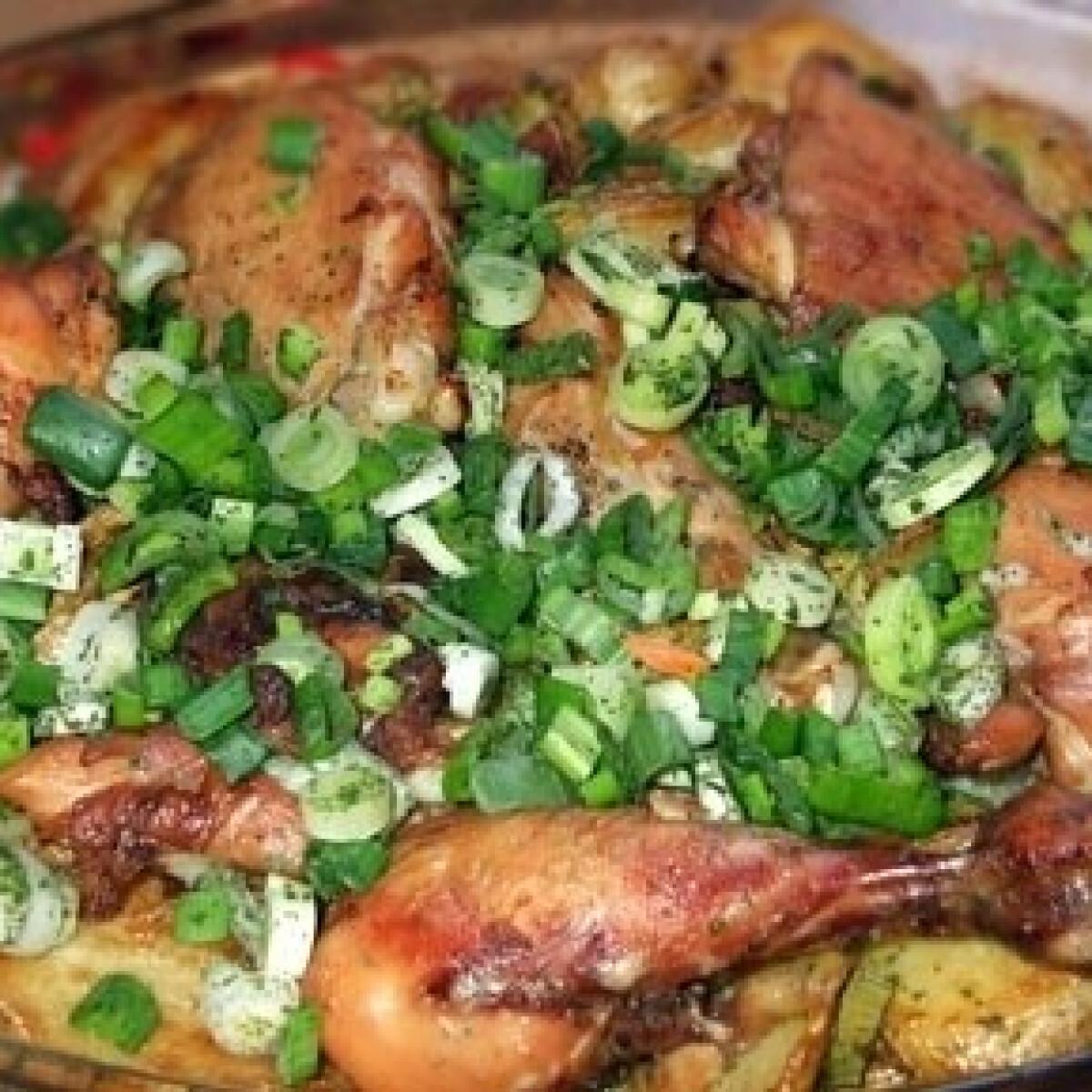 Ezen a képen: Fehérboros csirke újkrumplival