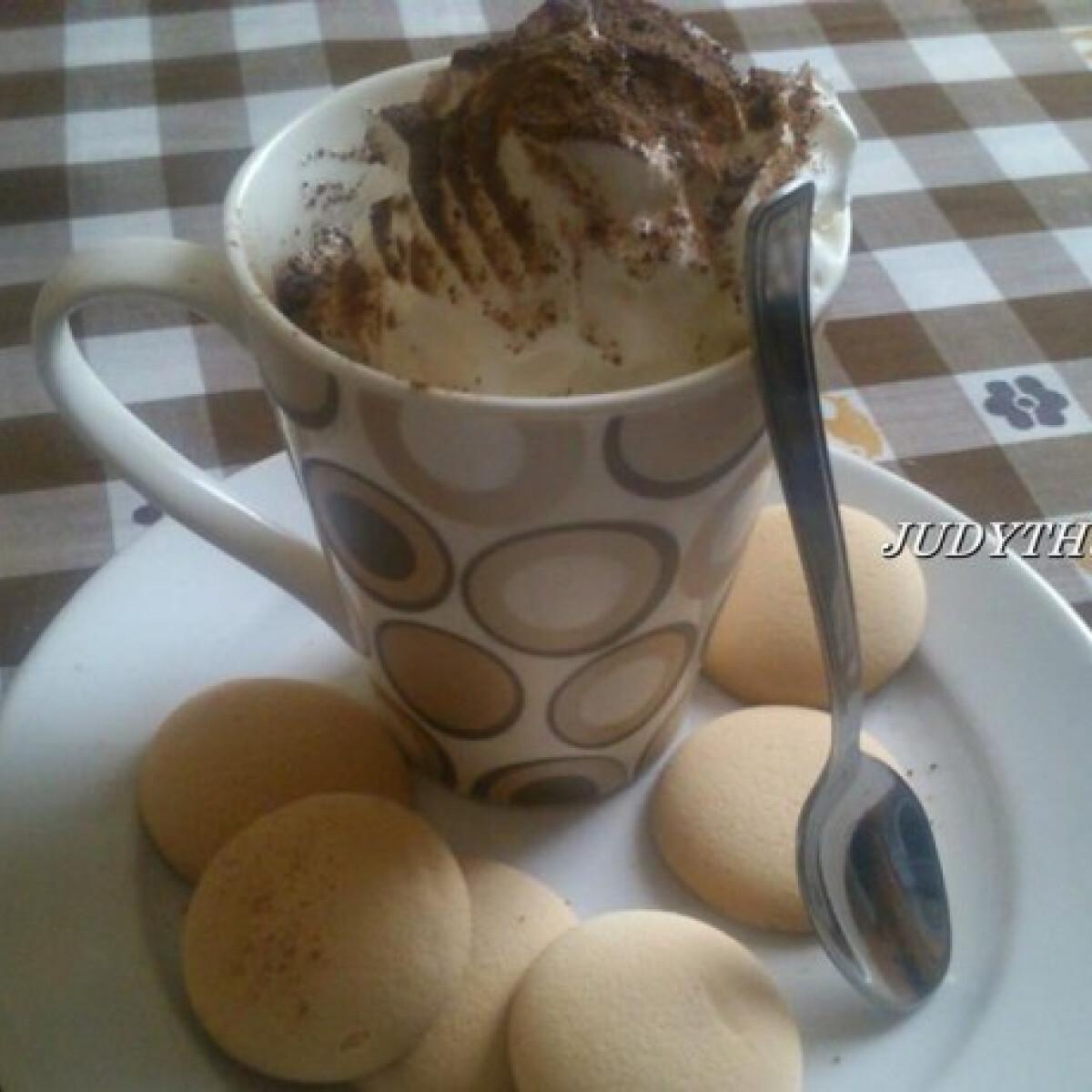 Ezen a képen: Különleges csokoládés kávé