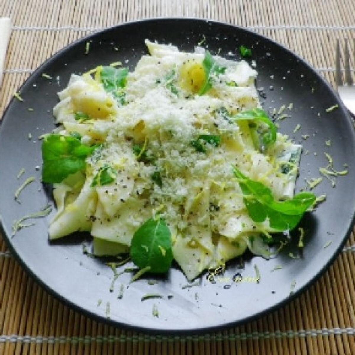 Ezen a képen: Tagliatelle al limone - citromos tészta
