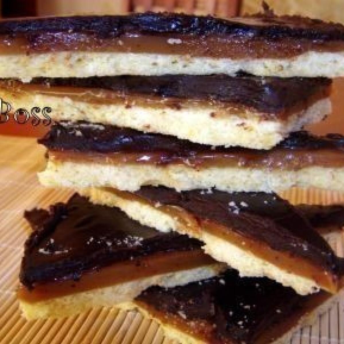 Ezen a képen: Csokis karamell szelet