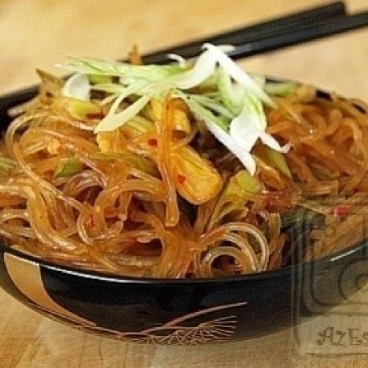Ezen a képen: 10 perces kínai tészta