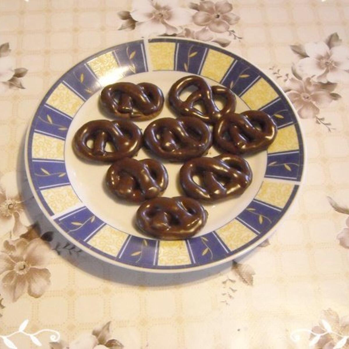 Ezen a képen: Csokis perec Nikóka konyhájából