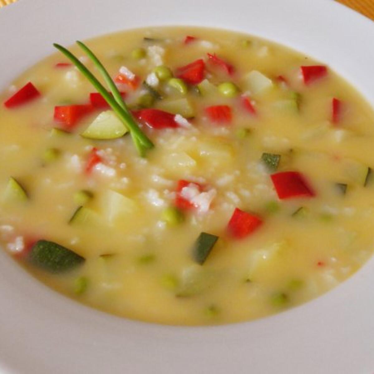 Ezen a képen: Görög citromos leves