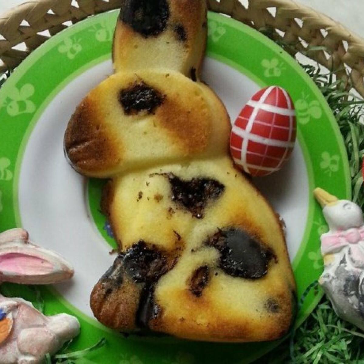 Ezen a képen: Húsvéti nyuszis túrós süti