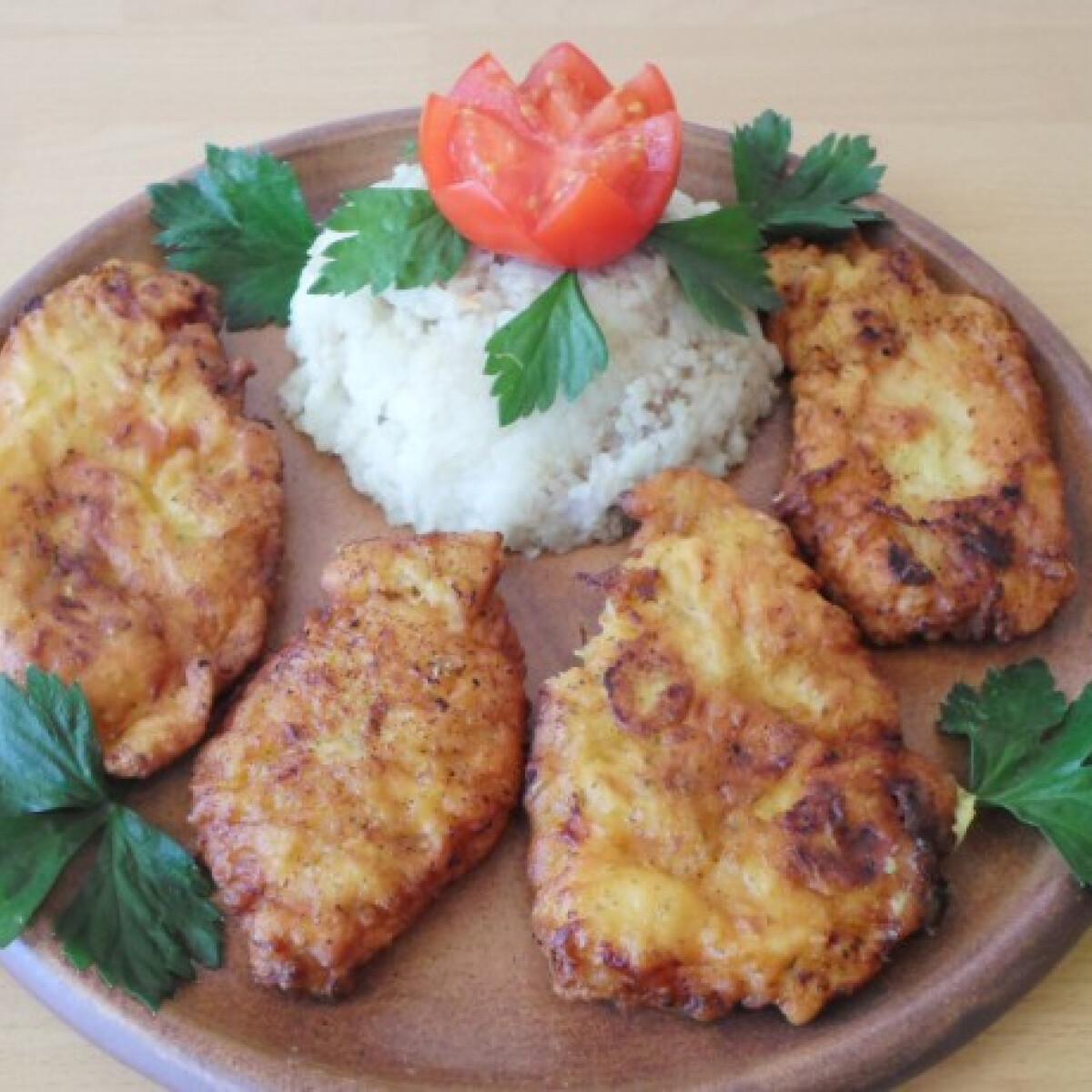 Ezen a képen: Cukkinis bundában sült csirkemell