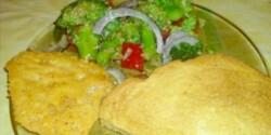 Brokkoli saláta pirítóssal