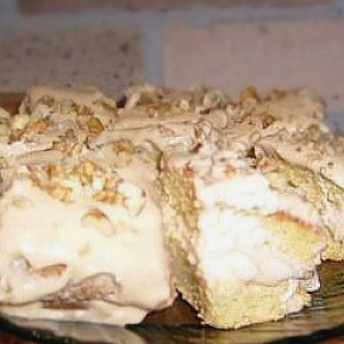 Ezen a képen: Karamellkrémes süti