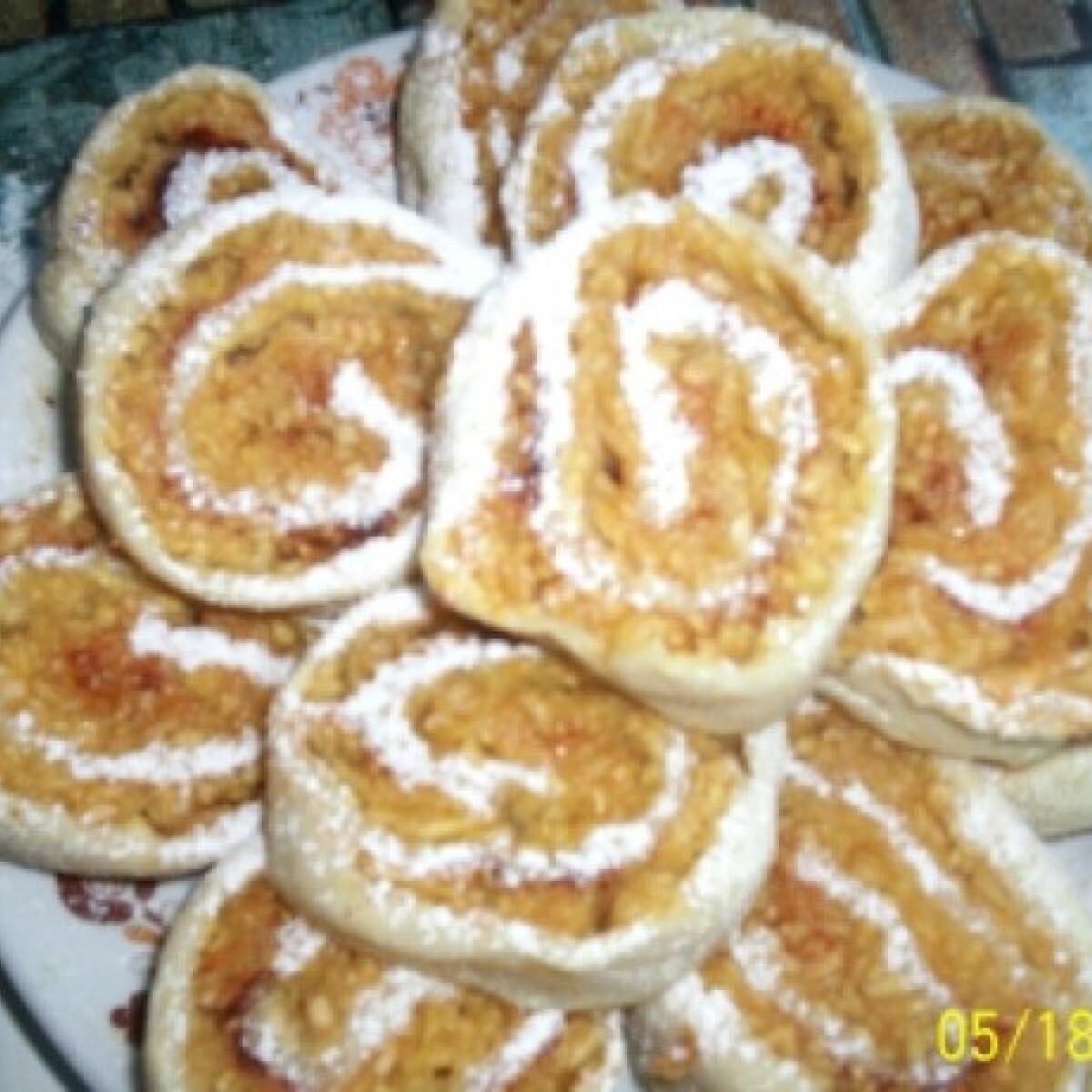 Ezen a képen: Almás csiga Gabimami konyhájából