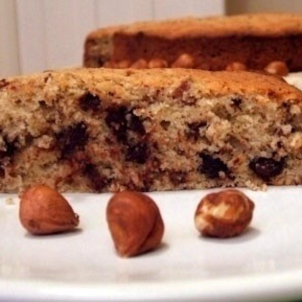Ezen a képen: Svájci csokis-mogyorós torta