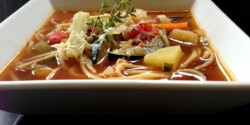 Minestrone spagettivel és parmezánnal