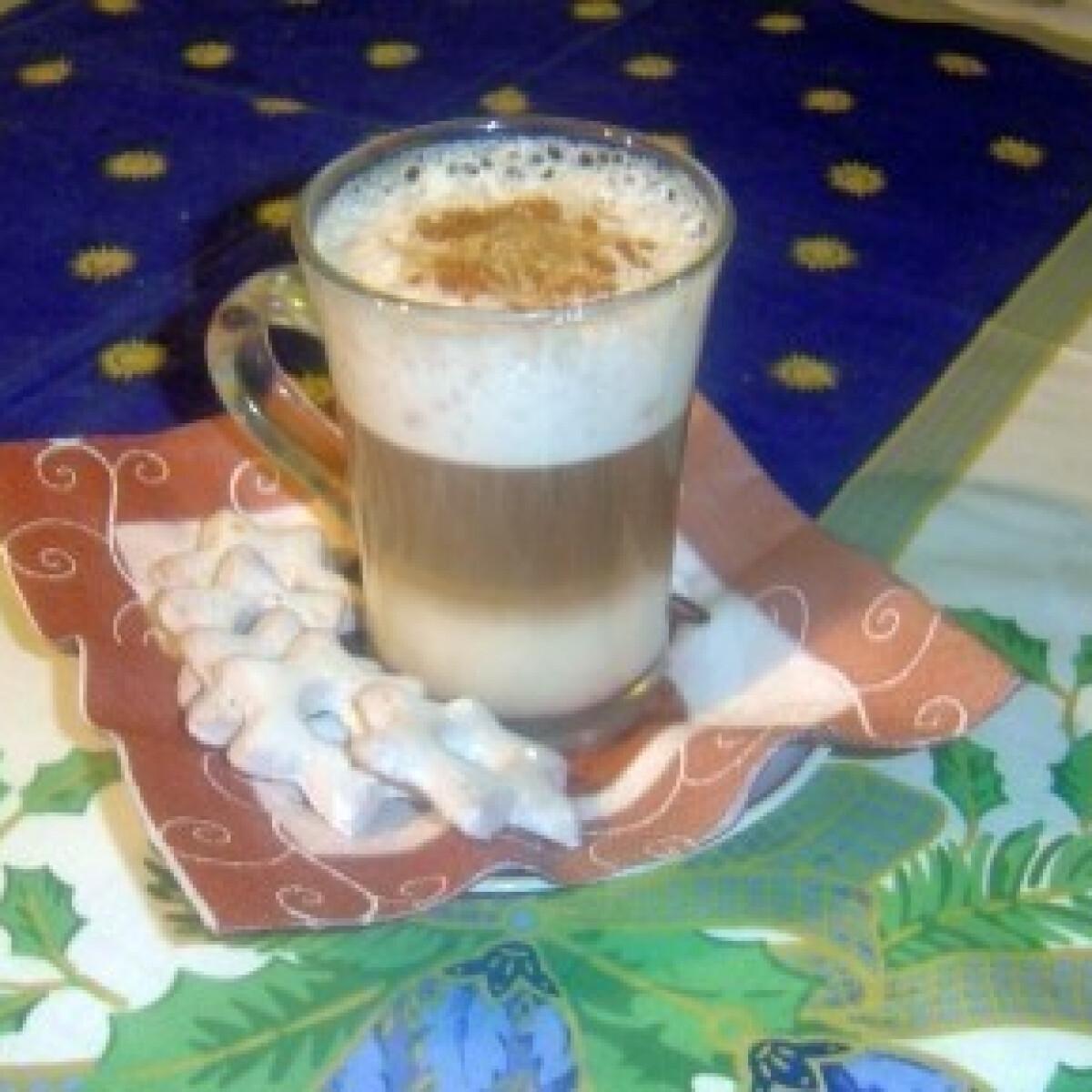 Ezen a képen: Mézeskalács-cappuccino