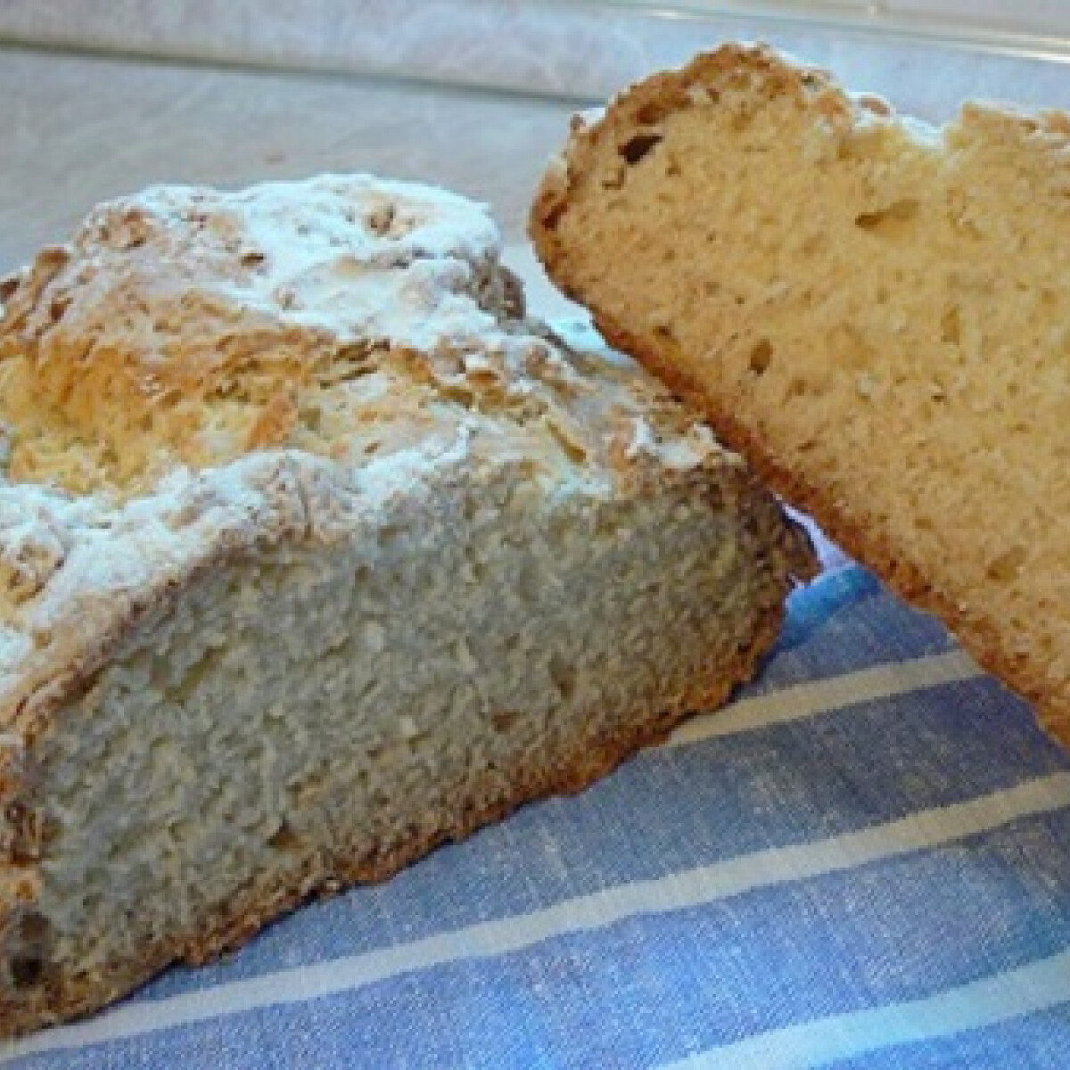 Ezen a képen: Szódás kenyér ahogy Tésztásfül készíti