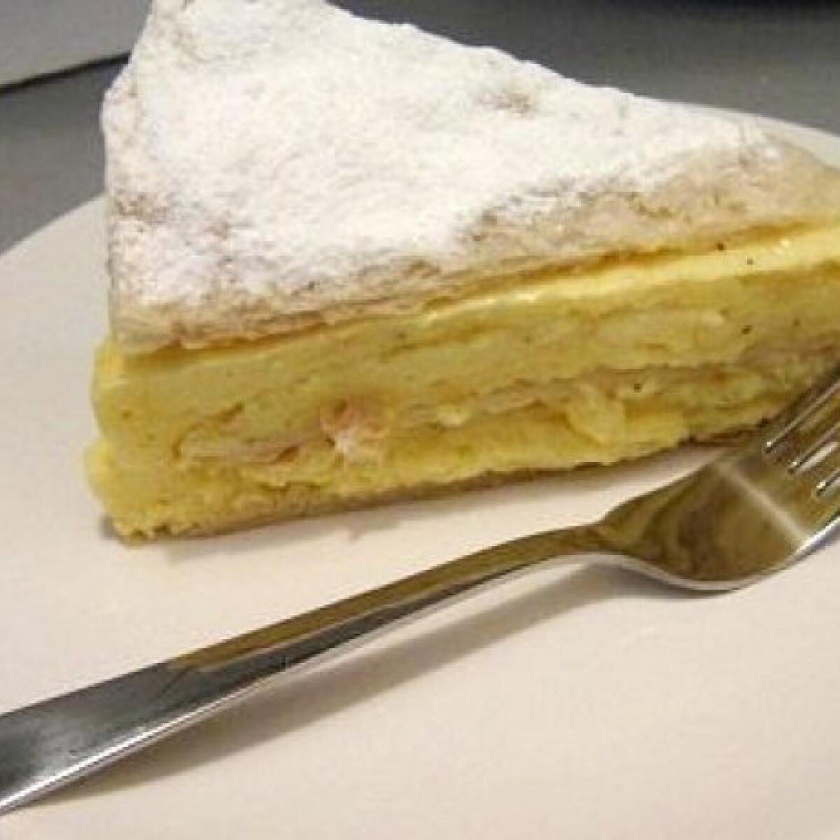 Ezen a képen: Krémes torta