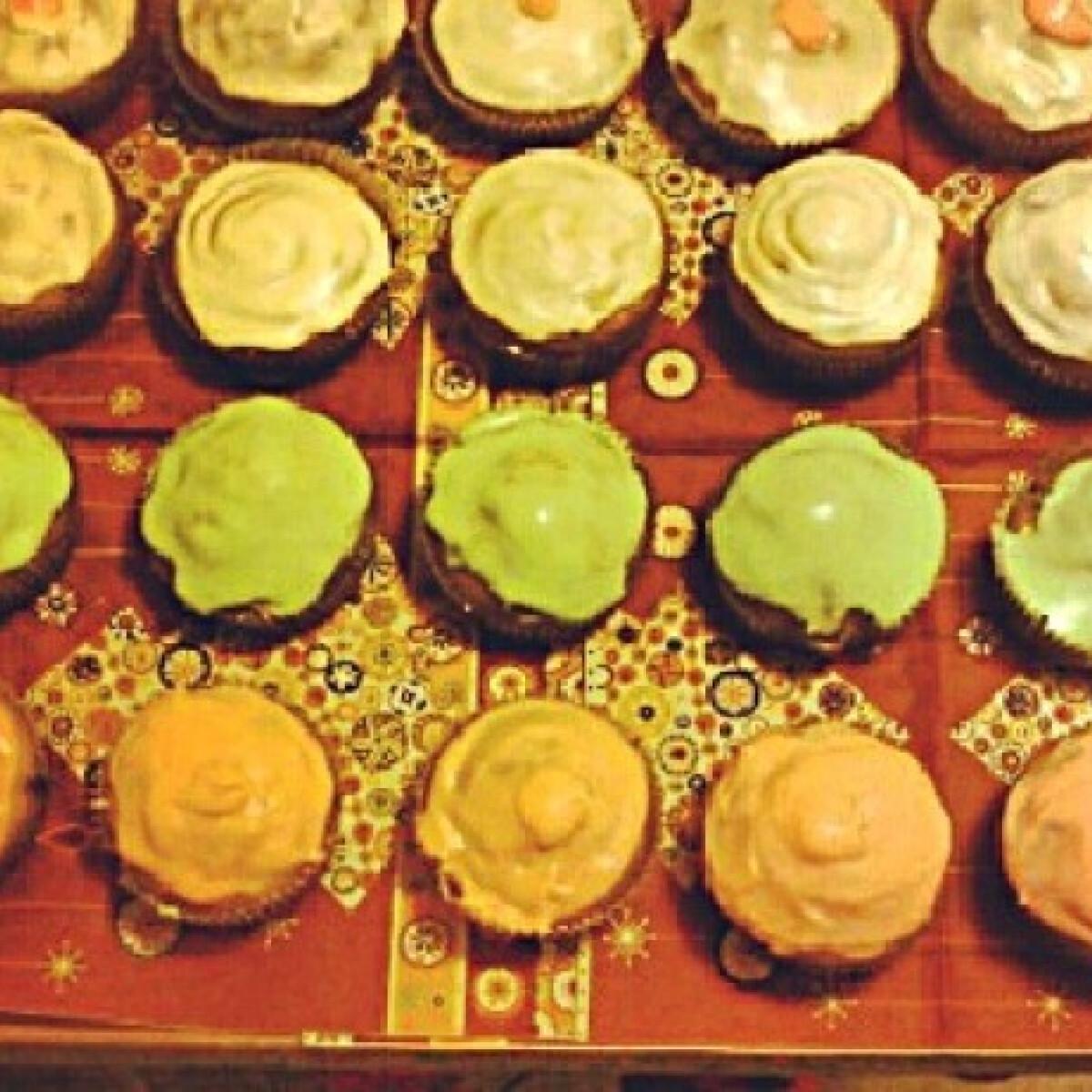 Ezen a képen: Cukormázas muffin