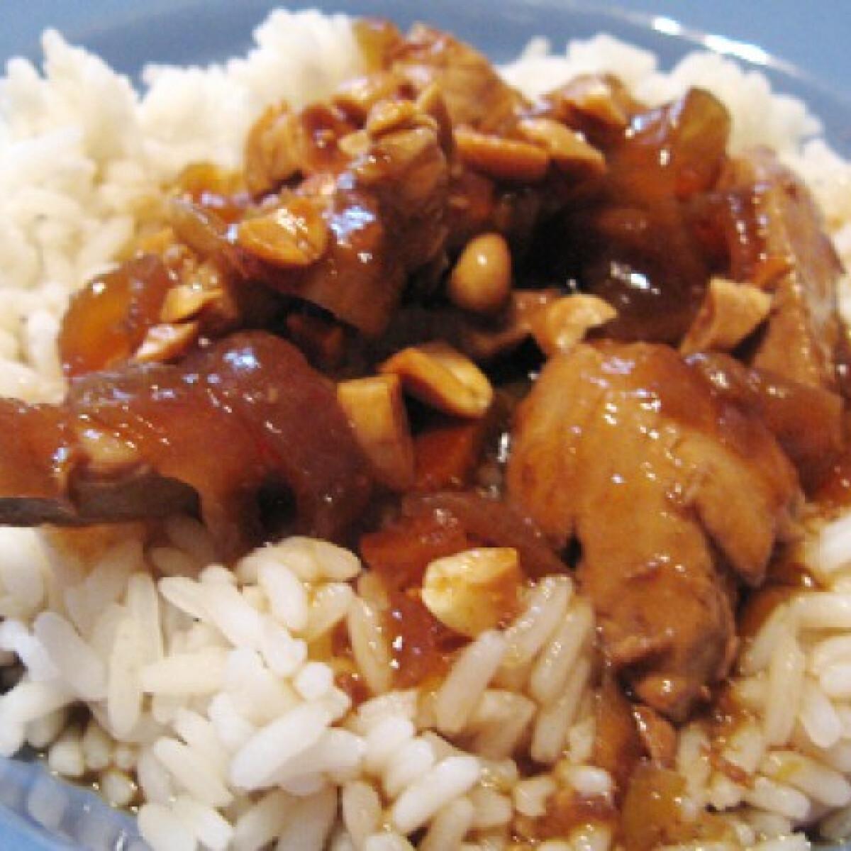 Ezen a képen: Japán mogyorós csirke