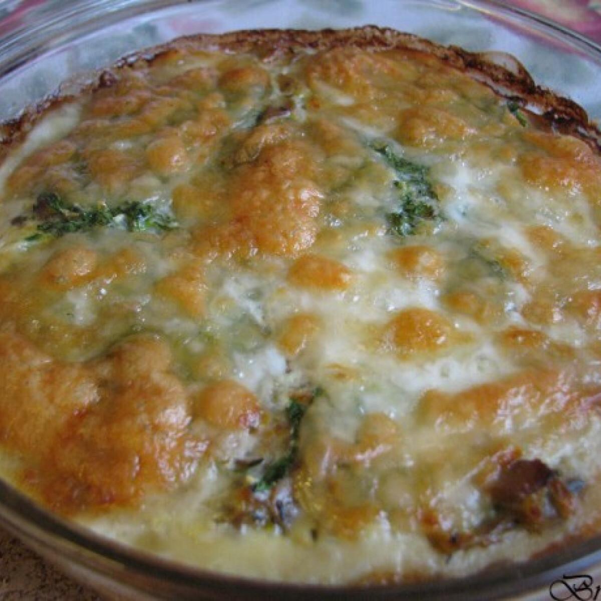 Ezen a képen: Gombás-mozzarellás pite reform linzertésztából