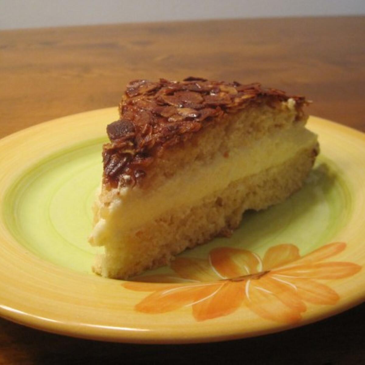 Ezen a képen: Méhcsípés torta