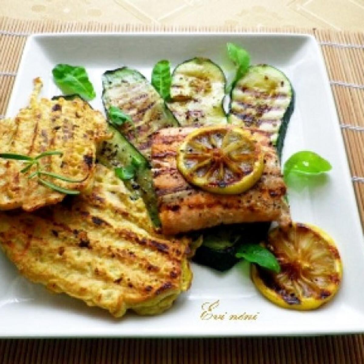 Ezen a képen: Citromos grillezett lazac cukkinivel