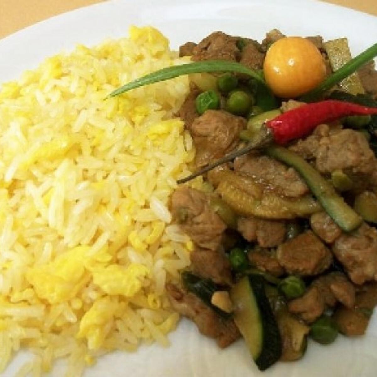 Ezen a képen: Teriyaki szószos sertéshús