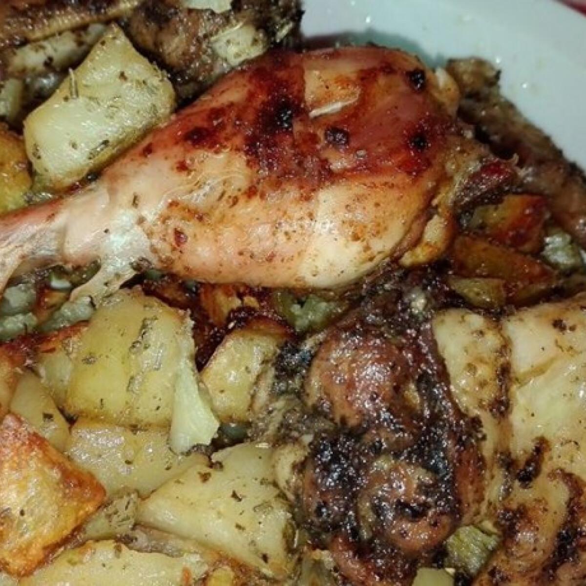 Ezen a képen: Pestos csirke vele sült rozmaringos-kakukkfüves krumplival