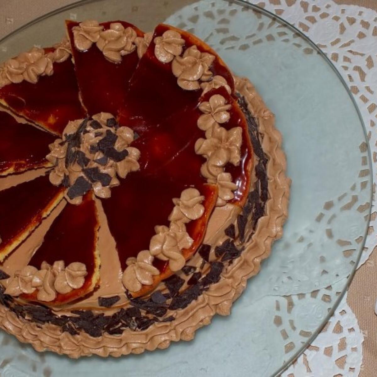 Ezen a képen: Dobos-torta SüniSütitől