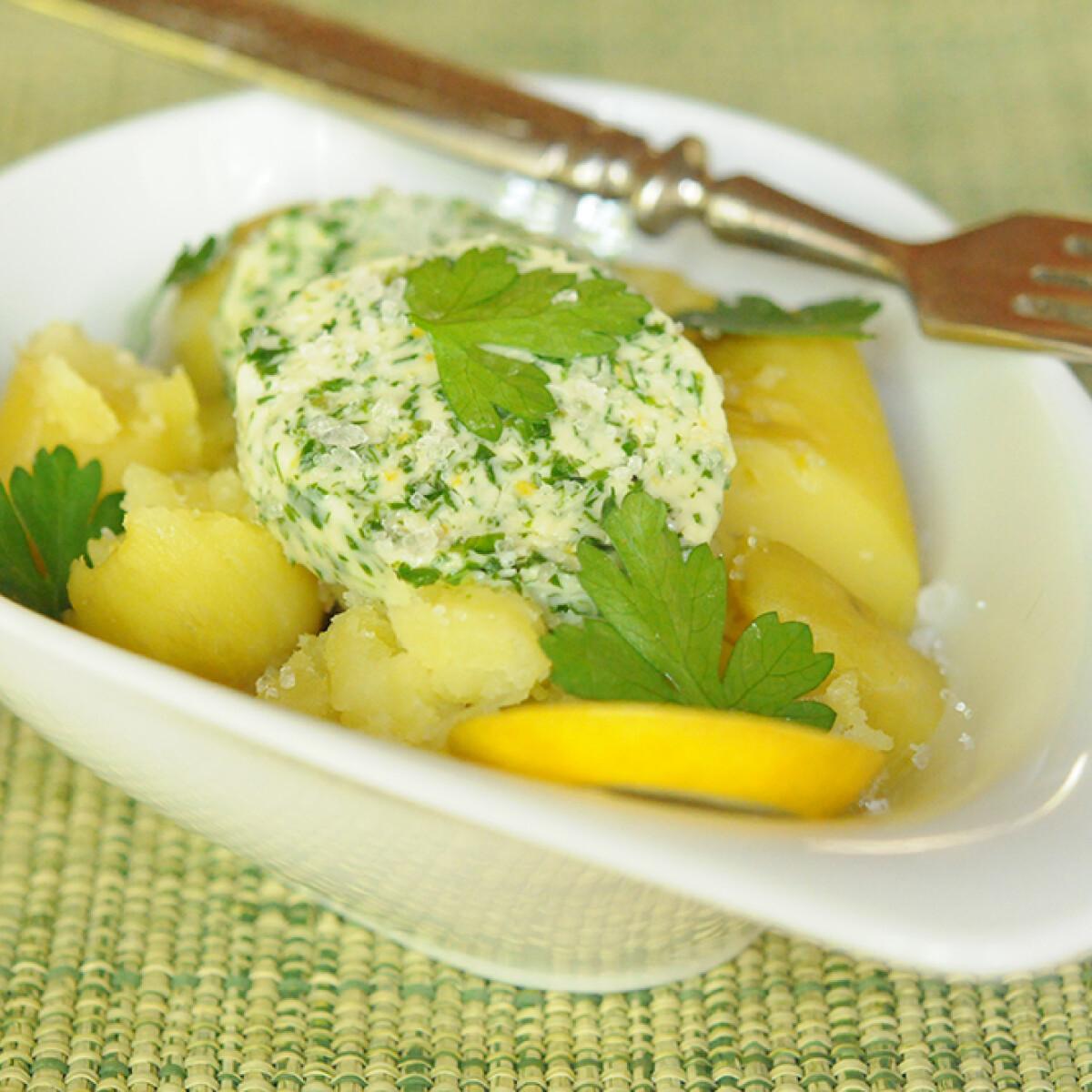Ezen a képen: Gőzölt újkrumpli