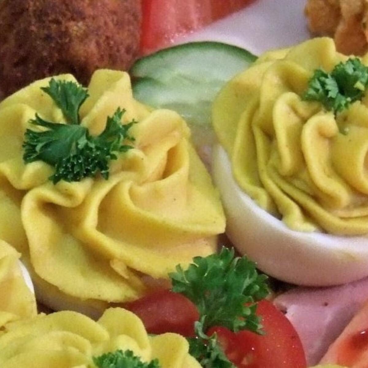 Ezen a képen: Kaszinó tojások
