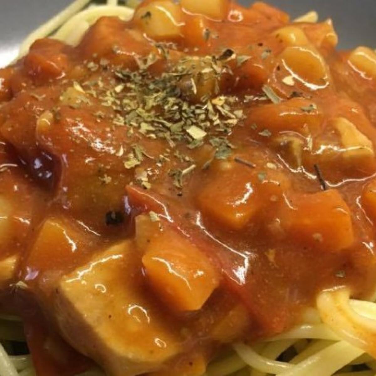 Ezen a képen: Spárgás-lazacos spagetti