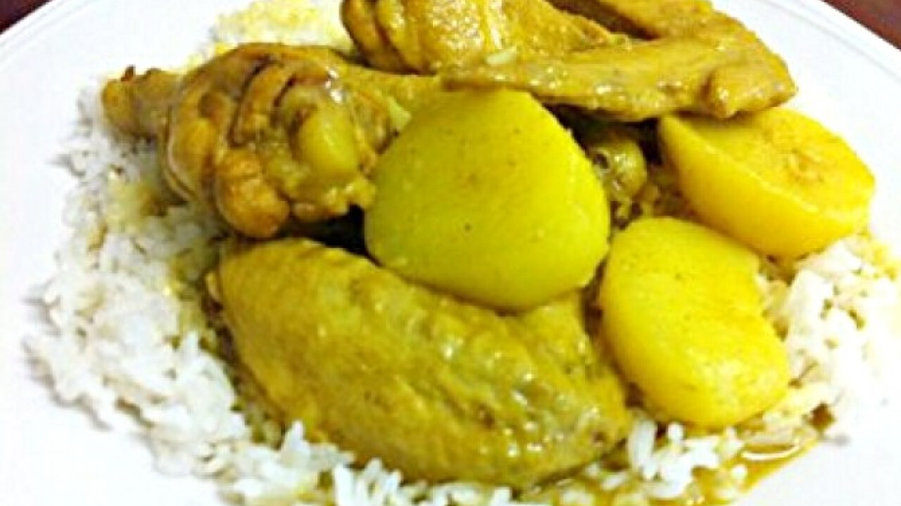 Currys csirkeszárnyak krumplival