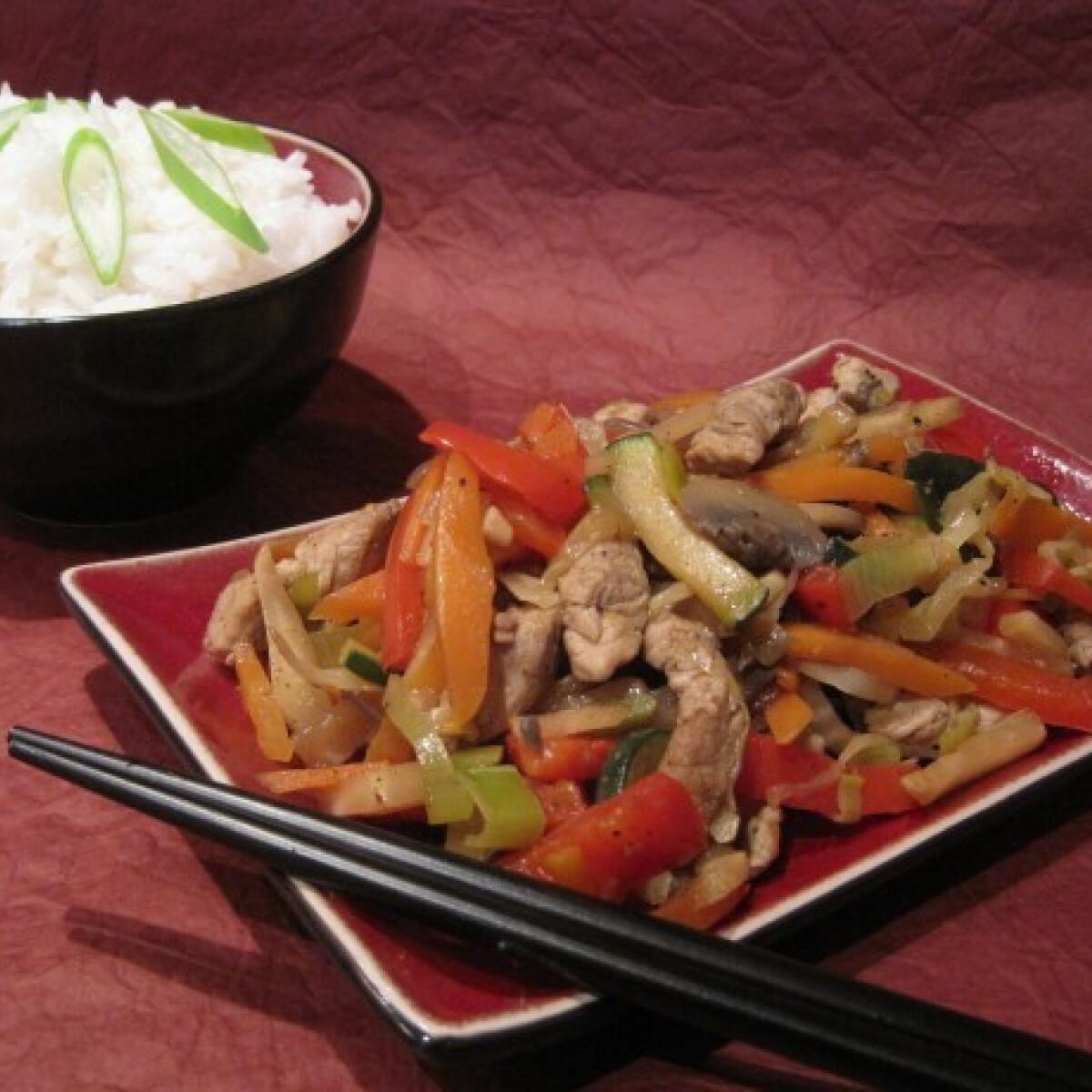 Pirított zöldséges sertéshús