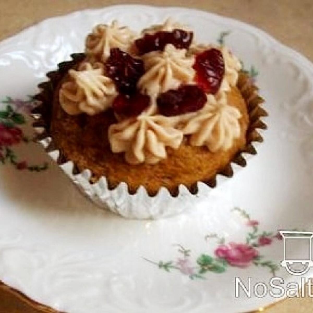 Ezen a képen: Sütőtök muffin áfonyával