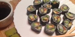 Sushi füstölt lazaccal és avokádóval