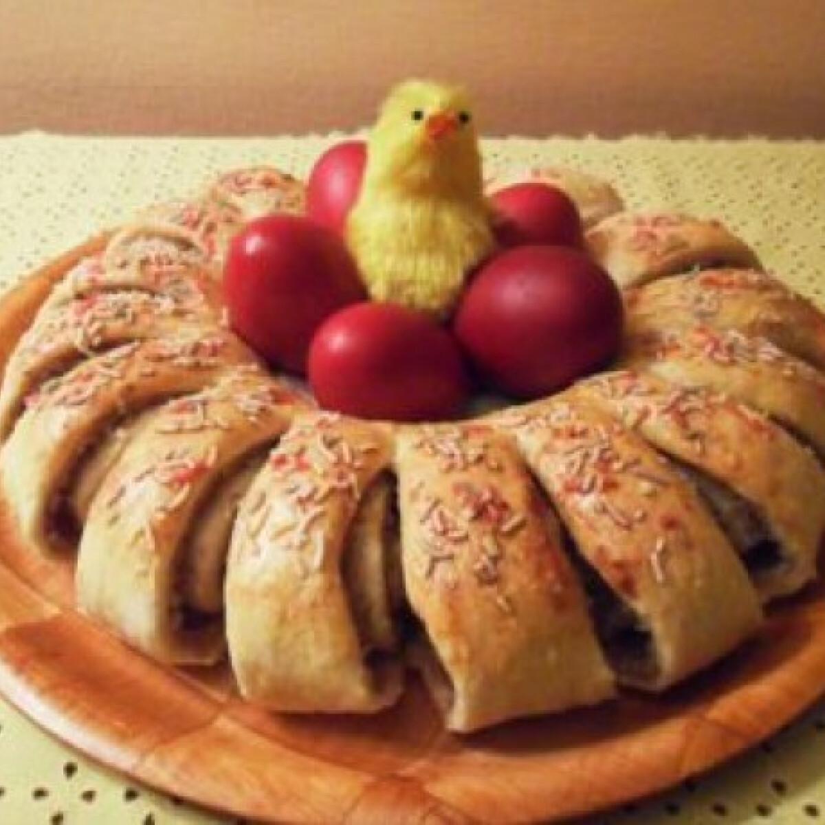 Ezen a képen: Húsvéti diós koszorú