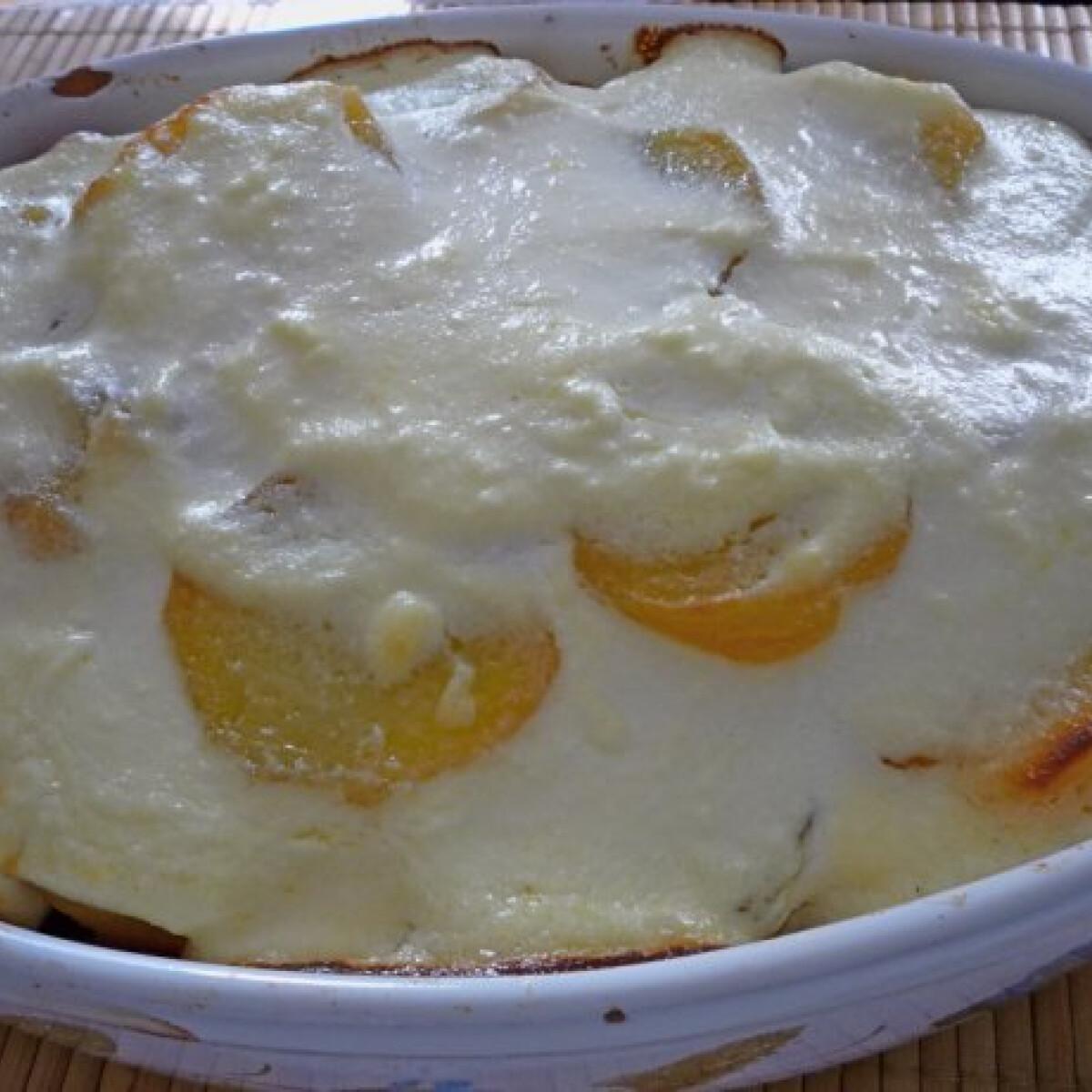 Ezen a képen: Rakott krumpli Pogácsától