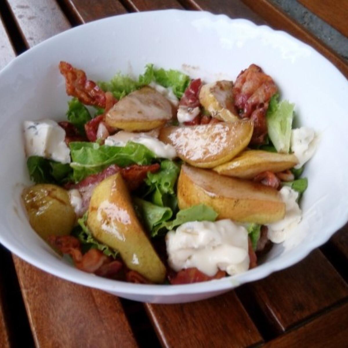Körtés gorgonzolás saláta