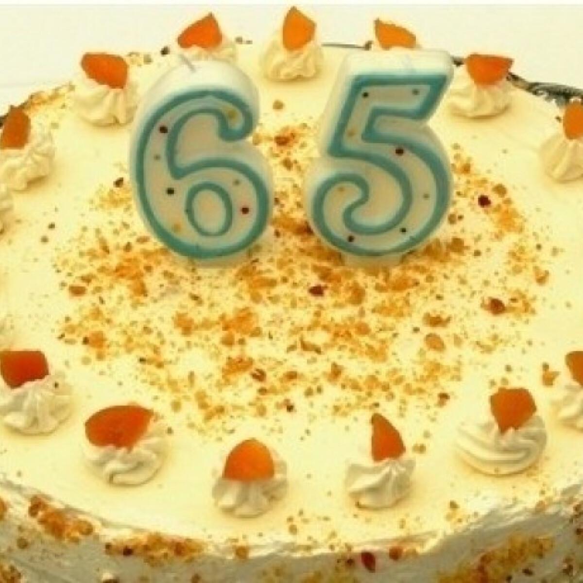 Ezen a képen: Joghurtos sárgabarack torta