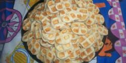 Sajtos tallér gofrisütőben sütve