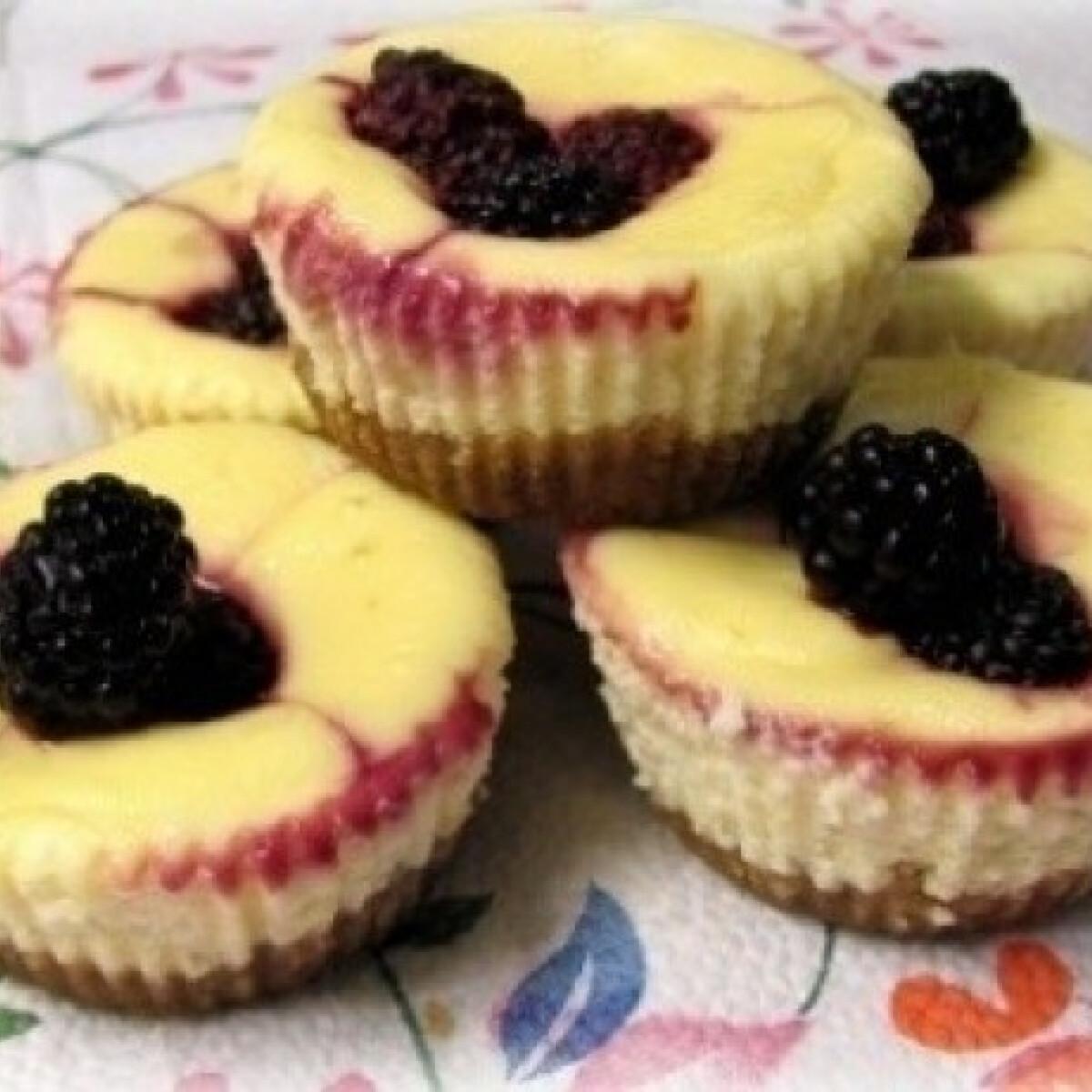 Ezen a képen: Krémsajtos tortácskák