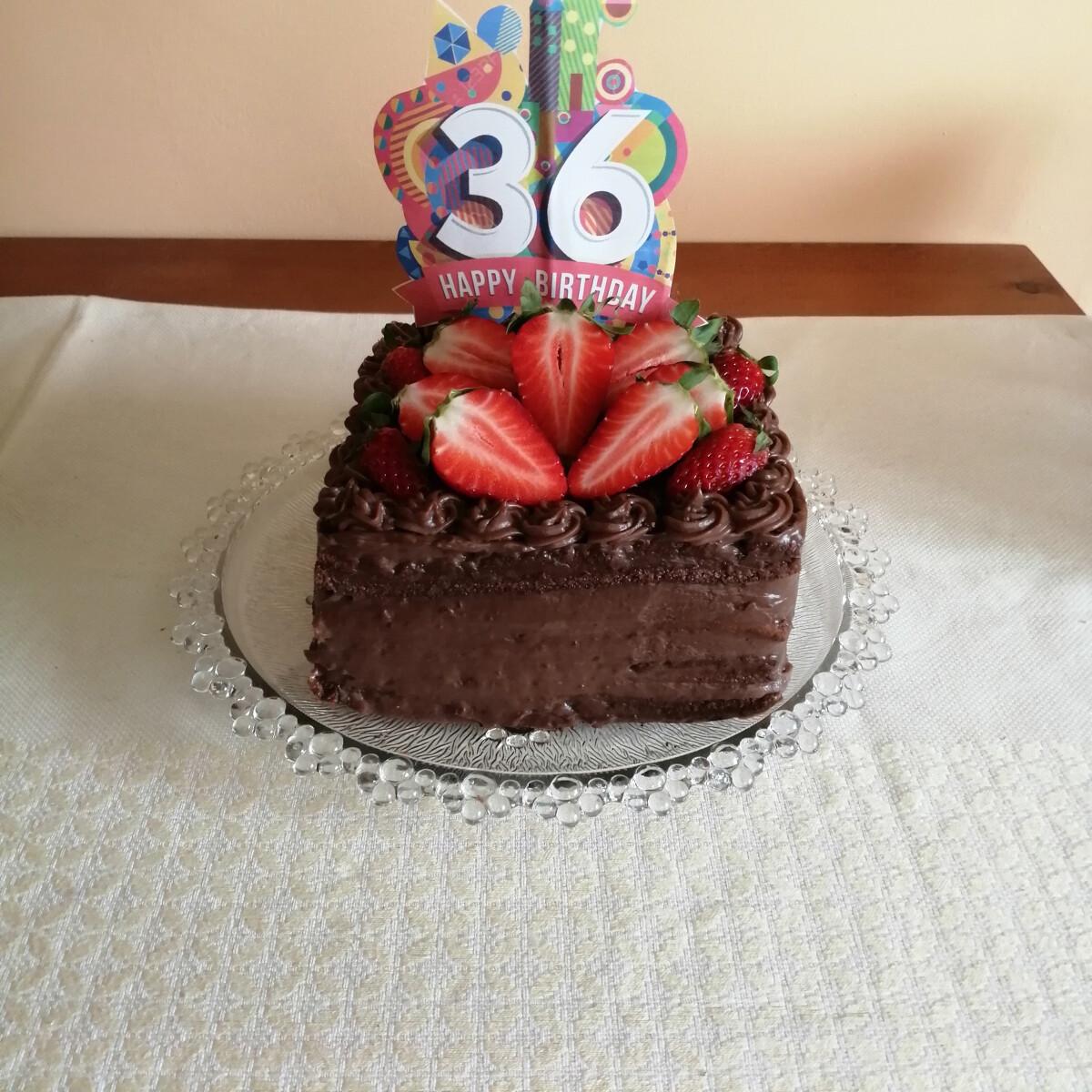 Ezen a képen: Csokis torta
