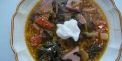 Fehérboros karalábélevél-leves sonkával