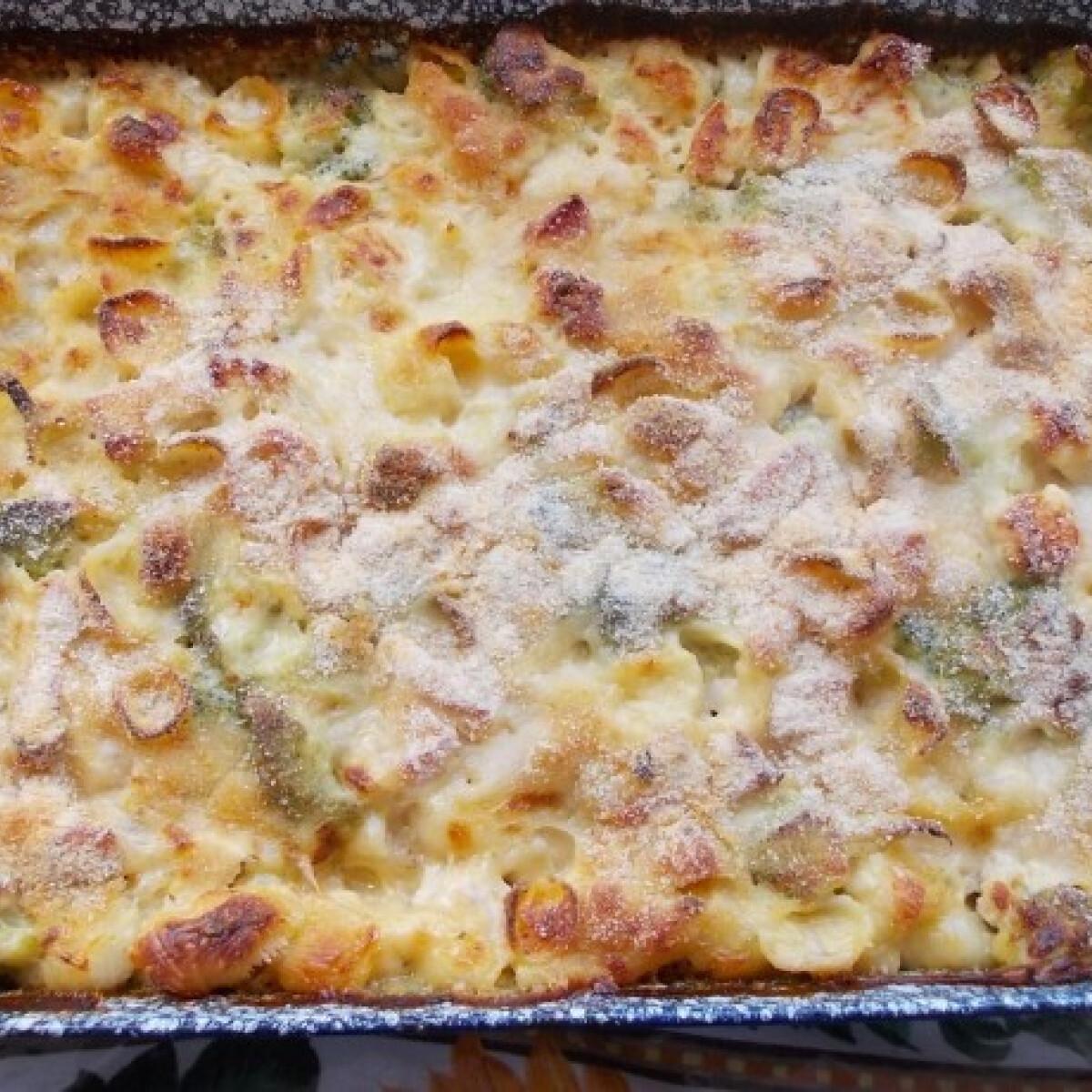 Ezen a képen: Mac and cheese extra