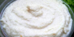 Joghurtos-sajtos karfiolkrém