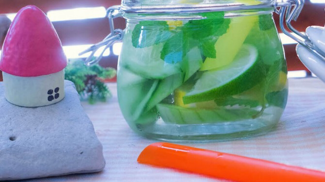 Frissítő uborkás-citrusos mentás limonádé
