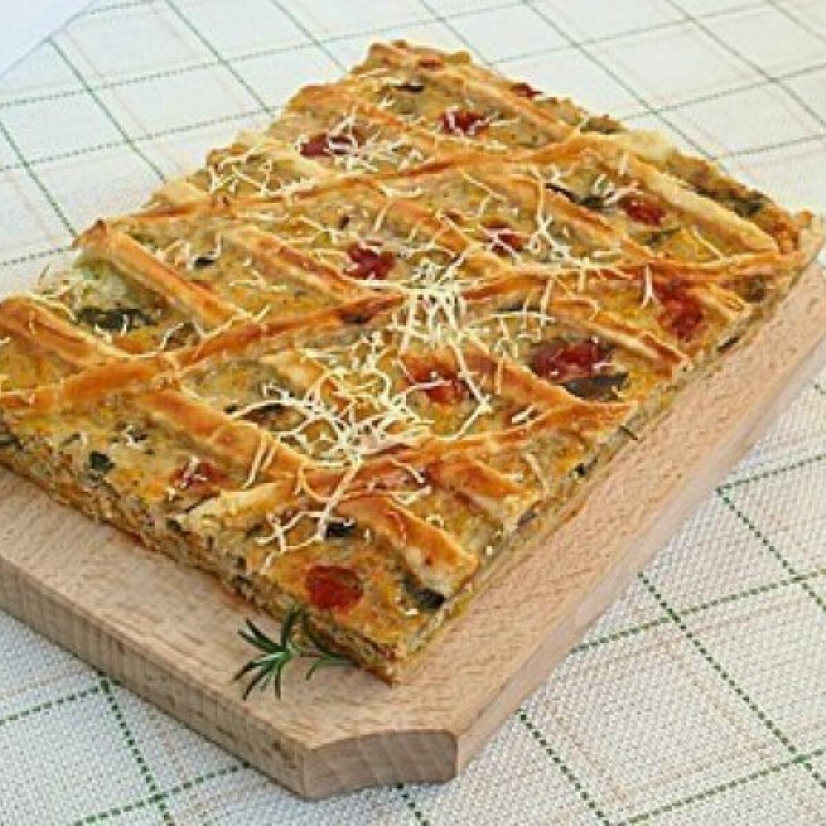 Ezen a képen: Vegyes sós pite